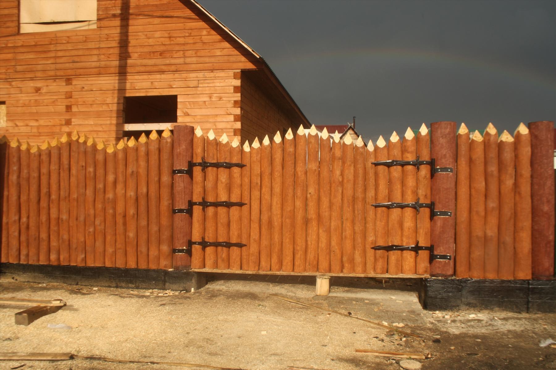 этого каждом забор бревенчатого дома картинки этом стоит