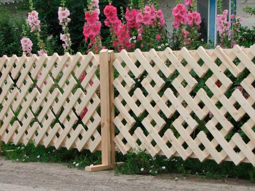 картинки деревянных палисадников букет